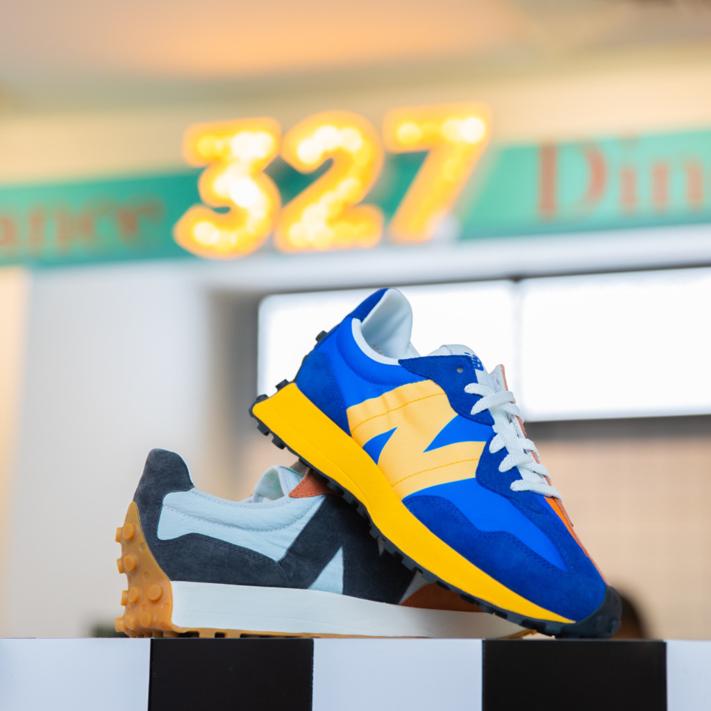 New Balance 327 Diner NB Sneakers