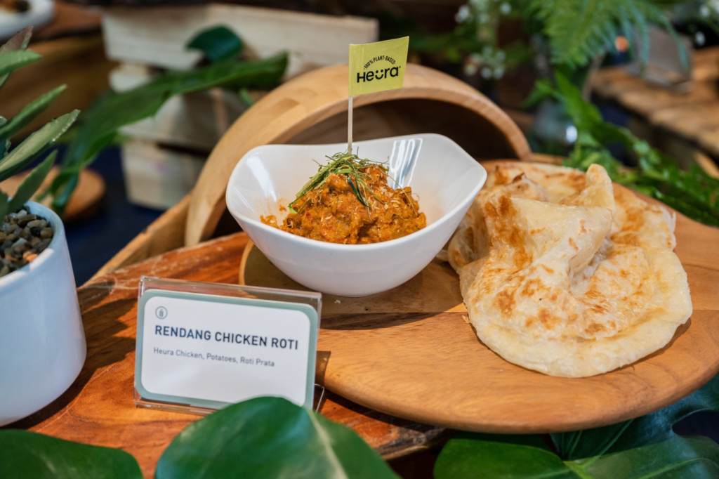 Green Common: Rendang Chicken Roti