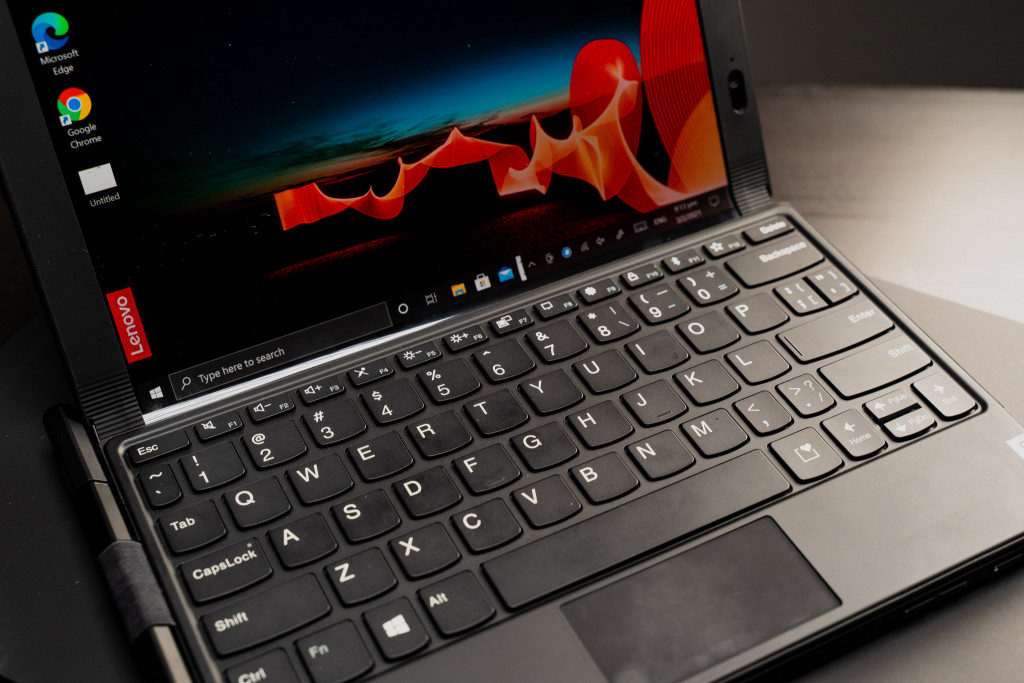 Lenovo X1 Fold: Keyboard Attachment